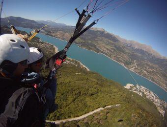 Vue sur le lac de Serre Ponçon